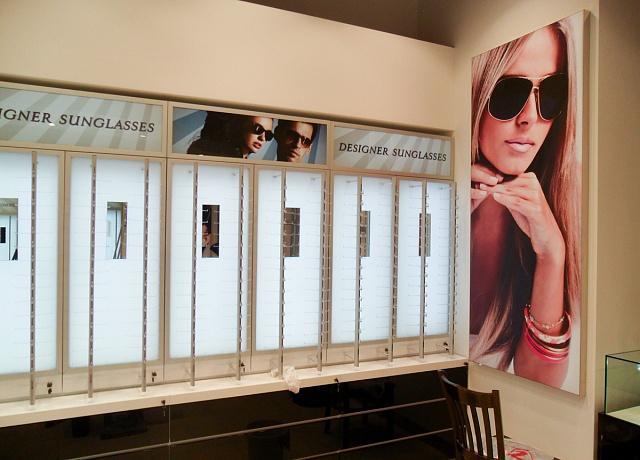 Sunglasses в аэропорту Домодедово